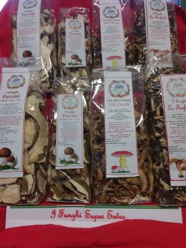 il bosco della Presolana | Erboristeria e prodotti tipici di produzione propria |  Alimentazione biologica, integratori | Funghi Secchi