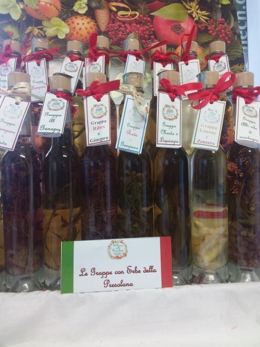 il bosco della Presolana | Erboristeria e prodotti tipici di produzione propria |  Alimentazione biologica, integratori | Liquori